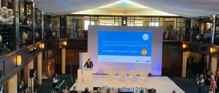 Jens Spahn bei seinem Auftritt auf der Nationalen Branchenkonferenz Gesundheitswirtschaft 2019. (Bild: Sebastian Meißner)