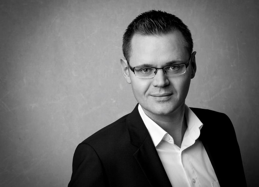 Die Onesta Holding bestellt Viktor Seel zum Prokuristen.